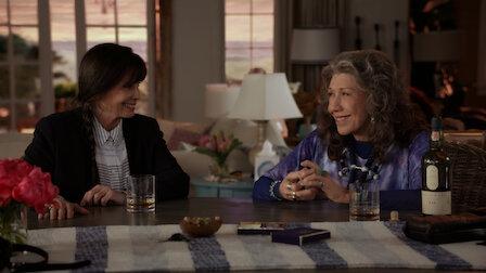 Watch The Hinge. Episode 6 of Season 4.